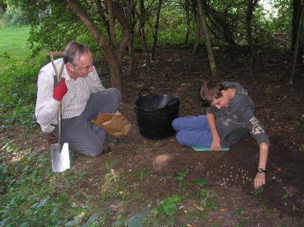 Planting native Snowdrops, 30/09/2015